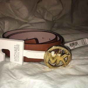 Michael Kors Accessories - 🌟NWT Michael Kors genuine leather reversible belt